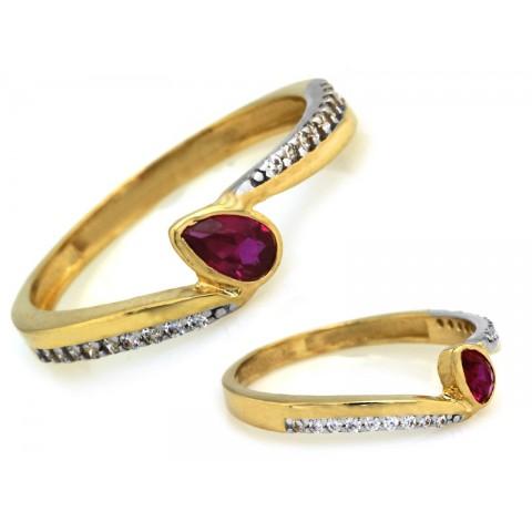 Pierścionek złoty z ciemnym różowym kamieniem