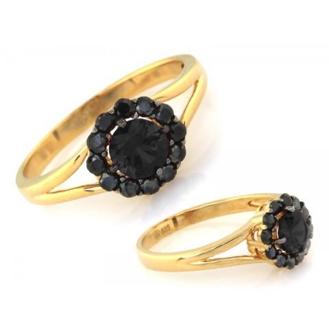 Pierścionek złoty okrągłe oczko z czarnych kamieni
